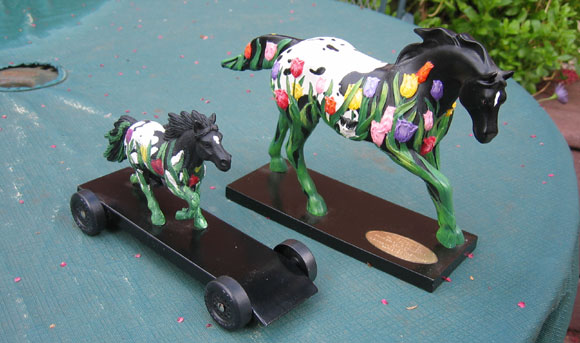 pinewood derby horse car