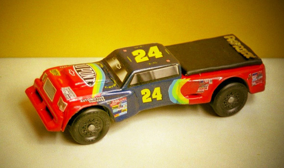 I Am Jeff Gordons 1 Fan So My Dad And Me Made A Gordon Truck To Race In The Pinewood Derby