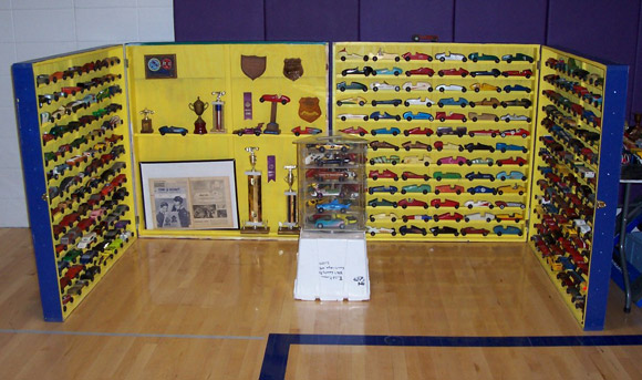 Pinewood Derby Times Volume 40 Issue 40 Maximum Velocity Gorgeous Pinewood Derby Display Stand Plans