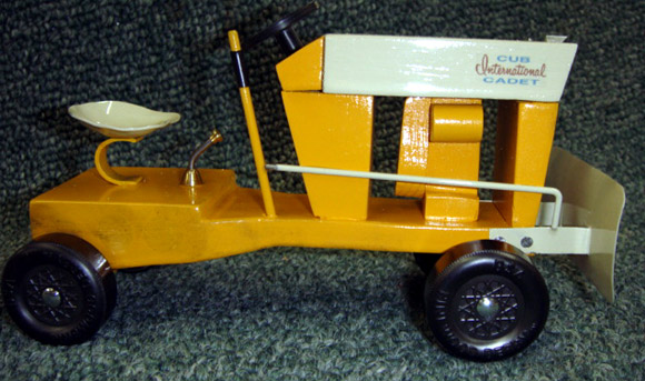 1962 Cub Cadet : Pinewood derby times newsletter volume issue